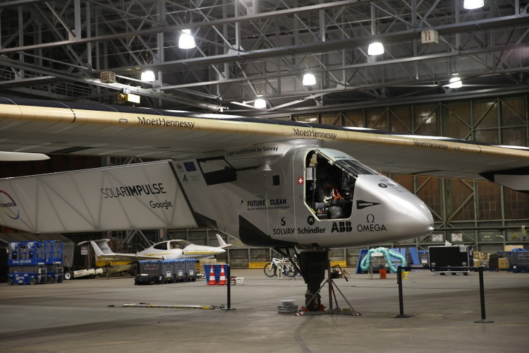 Solar Plane S Pilot Speaks With Un Leader From Over Pacific
