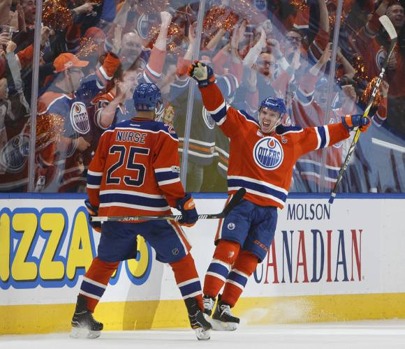 54c3743858a The Recorder - Oilers sign star Connor McDavid to 8-year
