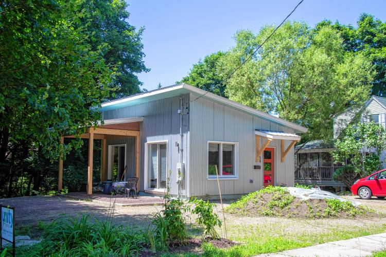 The Recorder - Small home, big prize from Pioneer Valley