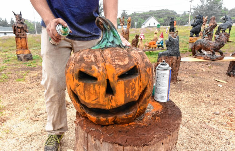 The recorder a craving for carving athol wood artists turn