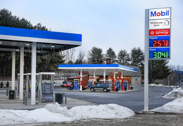 The recorder the mill new open on route 2 in gill for Mobili convenienti