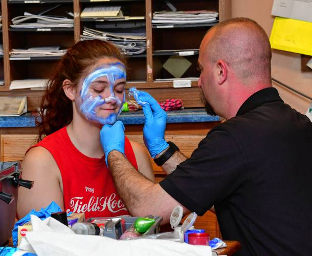 The Recorder - Mahar students learn from staged 'accident'