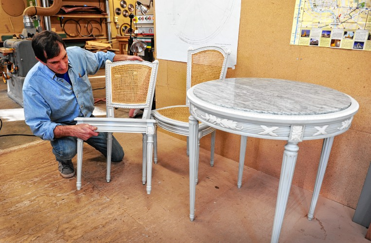 Repeating History: Shelburne Furniture Maker Recreates 13 Pieces For  Eisenhower Home In Pa.