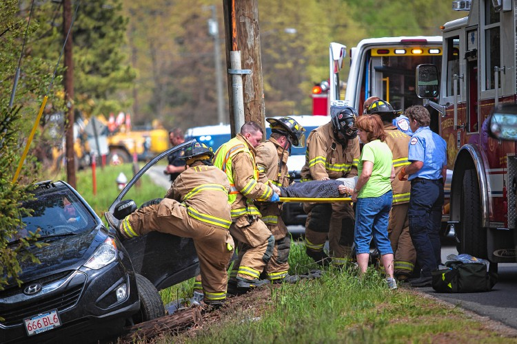 The Recorder - Car leaves road, Turners driver hospitalized