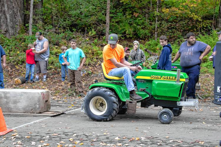 The Recorder - Garden tractor event pulls in a younger crowd