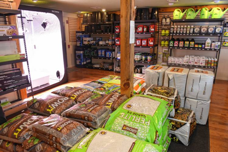 Fertilizers And Other Soil Additives At Hilltown Growers Supply On Route 2  In Shelburne In The Arrowhead Shops. January 11, 2018.