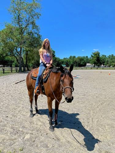 The Recorder - Teen and her horse go away to college