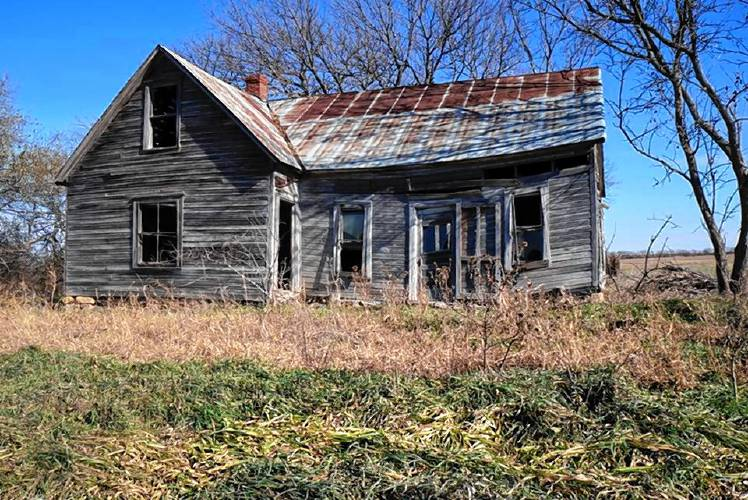 the recorder workshop to advise on costs of abandoned houses to towns